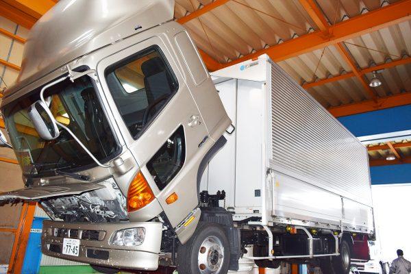 トラックの為の民間車検工場